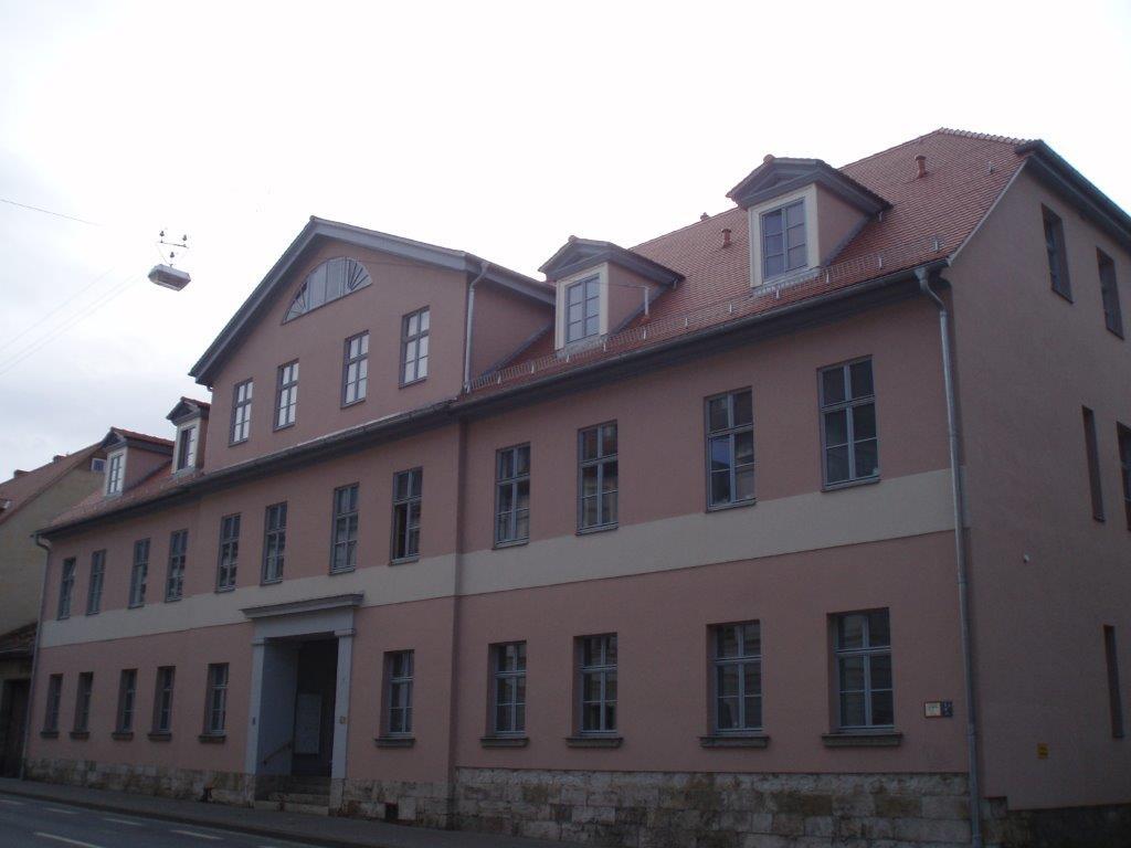 Wohnhaus in der Marienstraße in Weimar  Holzbau, Dachdeckung und Dachklempnerarbeiten
