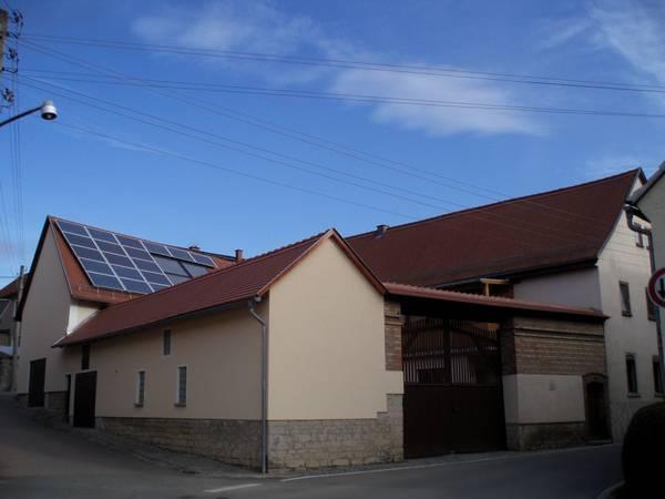 Gebäudekomplex in Göttern  Dachdeckung, Dachklempnerarbeiten, Holzbau und Solaranlage