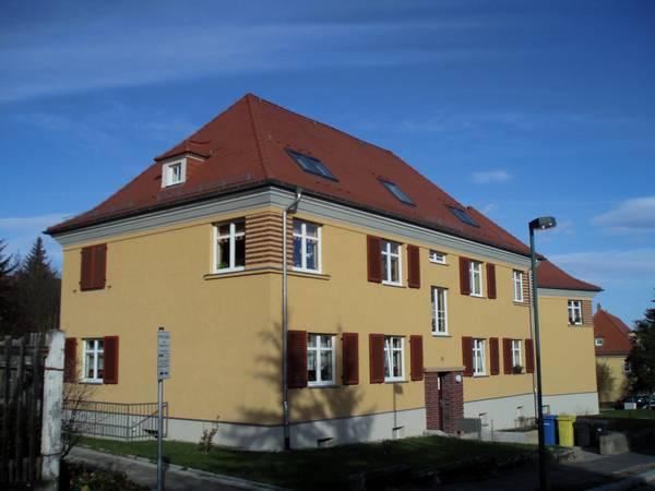 Wohnhaus in Jena  Holzbau, Dachdeckung und Dachklempnerarbeiten