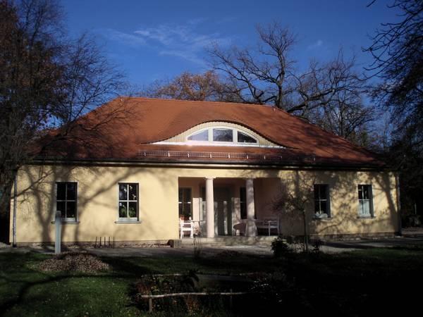 Johannisfriedhof in Jena  Holzbau, Dachdeckung und Dachklempnerarbeiten