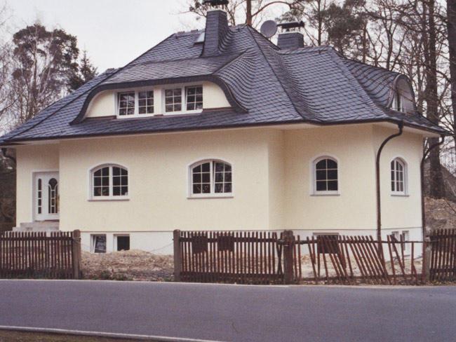 Einfamilienhaus bei Leipzig  Schieferdach und Dachklempnerarbeiten